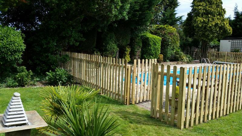 garden fencing saffron walden